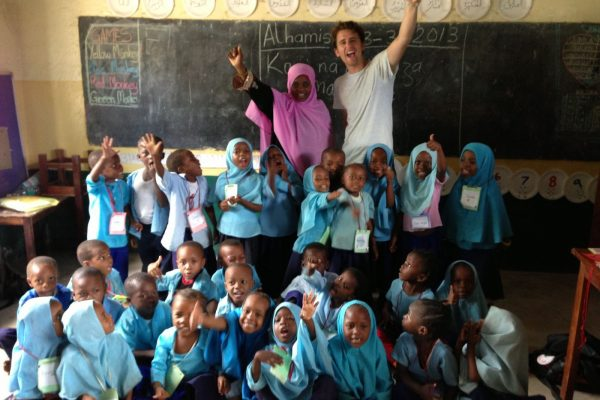 teaching-community-support-volunteer-zanzibar-african-impact 12